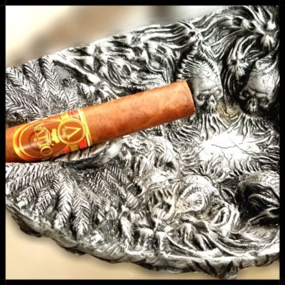 CHAOS Cigar Ashtray with Oliva V Cigar